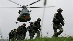 新疆军区某陆航旅举行跨军种联合实战化训练