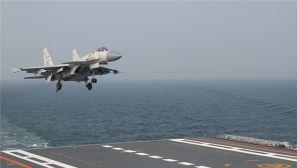 海军辽宁舰编队到达某海域 实战训练逼真现场来袭