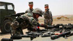 国际军事比赛临近我陆军军械能手积极备战
