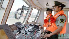 重庆:武警船艇兵深情告别战舰 踏上人生新征程