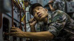 二级军士长肖宇强:隔着电话千里排障的强军工匠