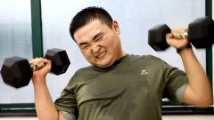 【强军好声音】军营大胖纸的成功逆袭 誓当强军欧巴