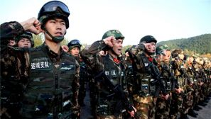 武警运城支队组织战地学《党章》和党员宣誓活动