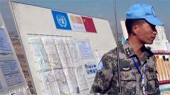 黎巴嫩:联黎部队副司令员视察中国扫雷分队现场扫雷