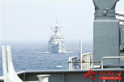 印度洋海军论坛多边海上搜救演习中,代表中国海军参演的运城舰和