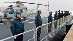 海军第28批护航编队解缆启航出征亚丁湾