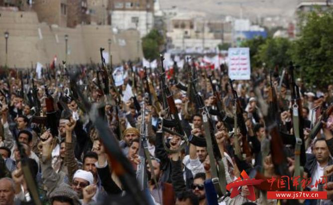 也门胡塞武装和支持萨利赫军队激战 上百人死亡