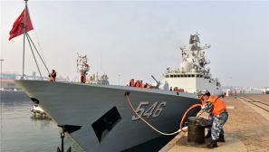 海军第28批护航编队从青岛解缆启航