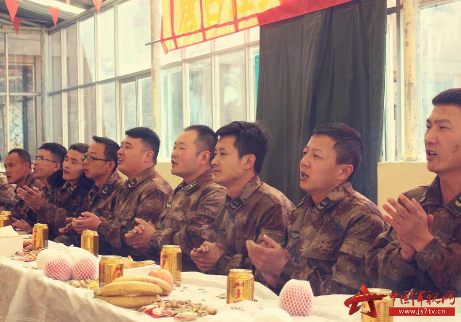 2、兵站为退伍老兵组织茶话会