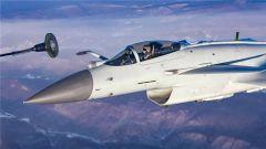 画面震撼 我空军多机型大机群空中加油