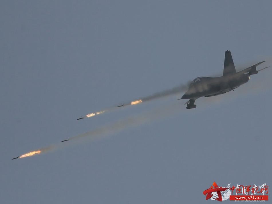 全空军部队新年度实战化训练拉开战幕