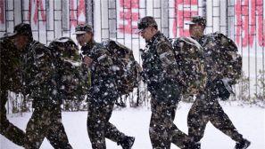 你还在晒18岁 快来看风雪中18岁的武警战士吧