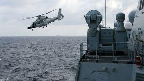 """海军""""大庆""""舰与潜艇、航空兵""""背靠背""""训练"""