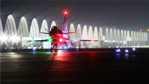 精心筹划!空军航空兵后半夜进行飞行训练