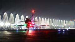 空军航空兵后半夜进行飞行训练竟是精心筹划?
