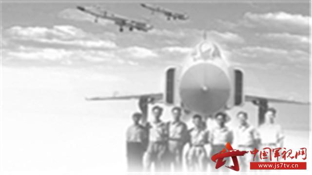 从1958年自行设计的第一架喷气式教练机歼教-1一飞冲天,到今天国产大飞机C919翱翔碧空,新中国的航空工业历经了从无到有、由弱变强的一个甲子。      一代又一代的航空人奋发图强、自力更生、勇于创新,推动我国航空技术实现跨越式发展,歼-8飞机总设计师顾诵芬就是其中一位。      或许,人生有太多的可能,但在他的人生字典里,所有的可能都来源于一份笃定的信念,那就是设计中国人自己的飞机。      这是万众瞩目的一幕      2017年12月17日,第二架C919大型客机在浦东国