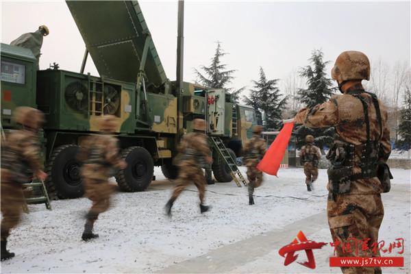 图3、实战化号角已经吹响,官兵以全新姿态冲向战位。
