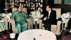 毛泽东与茶:曾用茶杯摆沙盘指明美国军舰位置