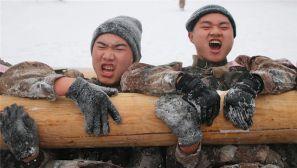 官兵风雪里的实战化训练,一起感受下!