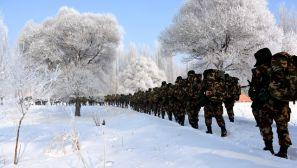 武警新疆总队机动第四支队严寒条件下锤炼官兵战斗意志