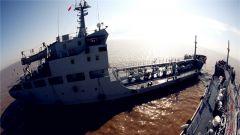 苦练基本功 东海舰队某作战支援舰支队开展海上训练