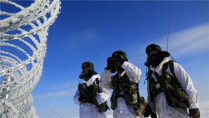 驻新疆边防官兵-30℃雪地巡逻 休息不超5分钟