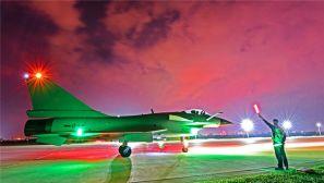 披霞出征|暗夜,这是属于战鹰自由空战的舞台