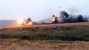 空降兵的实战化训练,战车、火炮一个都不能少
