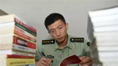 """李峰:文武双全的优秀基层""""党代表"""""""