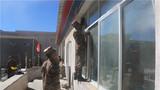 """他们是金珠玛米!藏区官兵为驻地百姓""""送暖"""""""