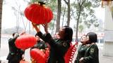 武警四川省总队医院女兵营造节日氛围喜迎新春