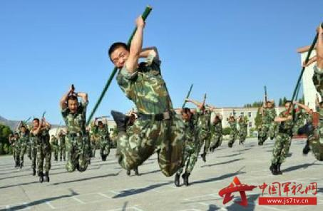 武警新训练大纲_武警部队组织第一期新军事训练大纲集训