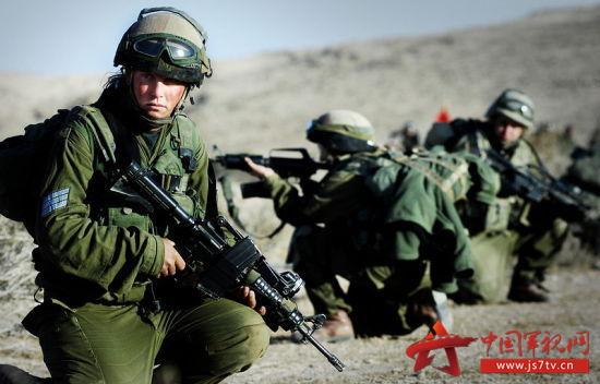 资料图:以色列国防军士兵在进行训练。