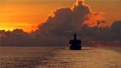 """南海舰队远海训练编队:波涛间的一对一""""搏击"""""""