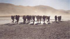 西藏军区某边防团:恶劣天气下苦练本领