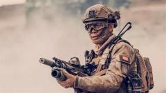《红海行动》·张译:脱了军装 我还是军人