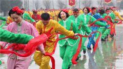 武警官兵传统民俗表演欢庆元宵佳节