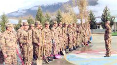 西藏军区32169部队开展学雷锋活动