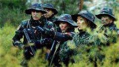 反映女兵训练生活的《女兵突击》摄制完成