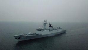 精彩!日照舰高标准完成了多个海上训练科目