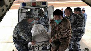 西部战区空军首次派运-9飞机赴西藏转运病危军人