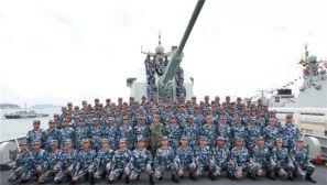 高清大图:中央军委在南海海域隆重举行海上阅兵