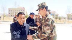 武警某部交通第二支队邀请援巴老兵讲述红色故事