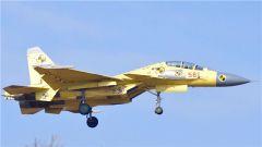 双座歼-15高清照片再现网络 或新增电子战利器