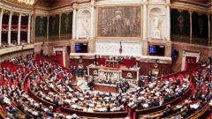 法国议会周一将就空袭叙举行辩论