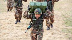 丁建波:做侦察尖兵中的利刃