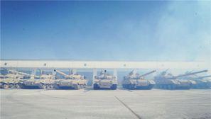 高清:第81集团军某合成旅组织整建制战备拉动演练