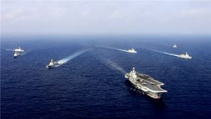 高清:海军航母编队连续跨海区组织实兵对抗训练