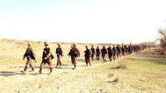 新疆军区某边防团进入战备演练