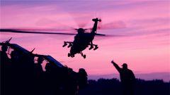 新疆军区某陆航旅开展跨昼夜空中火力突击实弹演练